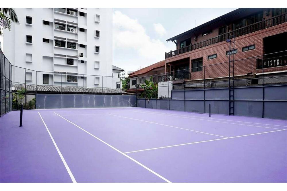 RE/MAX Properties Agency's RENT VILLA BAJAJ APARTMENT 3 BEDS 265 SQM 10