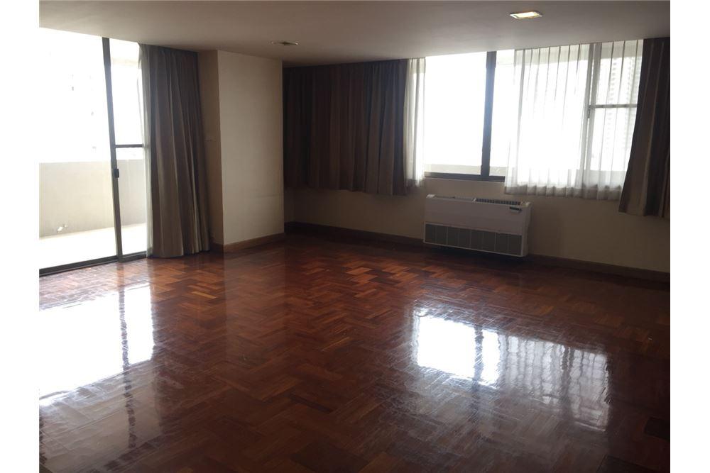 RE/MAX Executive Homes Agency's 3bedroom 2bath For Rent Sukhumvit 24, BTS 3