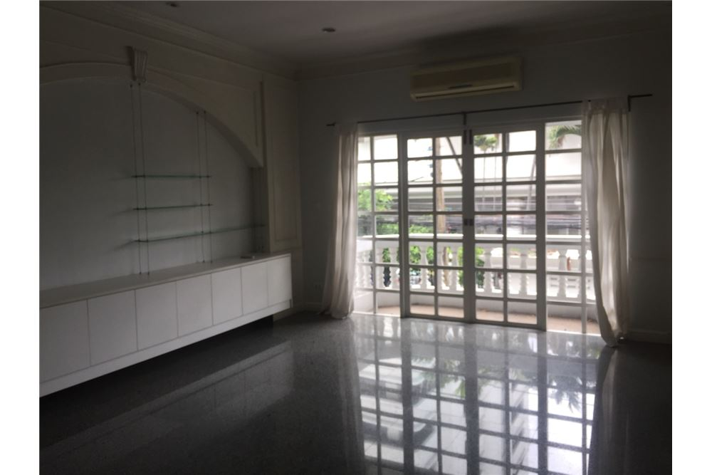 RE/MAX Executive Homes Agency's Townhouse For Rent 3Bedroom, Thonglor,Sukhumvit 49 7
