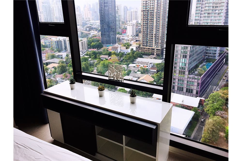 RE/MAX Properties Agency's RENT Rhythm Sukhumvit 36-38 1BED 41SQM. 2