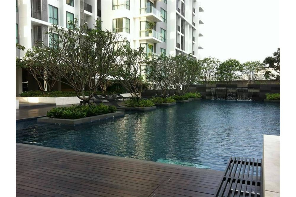 RE/MAX Properties Agency's 1 Bed for rent 25,000 At the room 62!!! 1