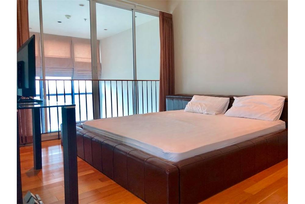 RE/MAX Properties Agency's RENT The Emporio Place Duplex 82.68SQM. 11