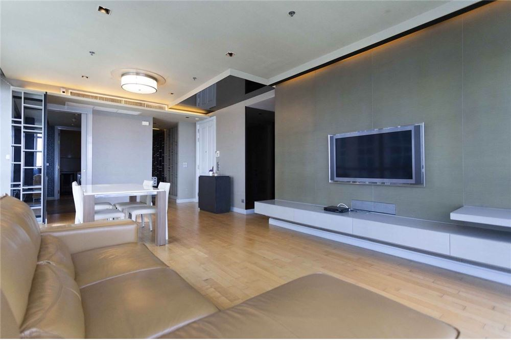 RE/MAX Properties Agency's RENT Athenee Residence 2BED 133SQM. 1