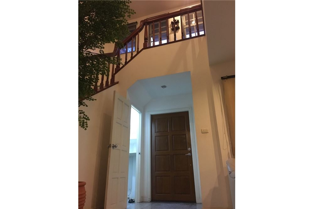 RE/MAX Executive Homes Agency's Single House 4 Beds For Rent in Sukhumvit Soi101 6