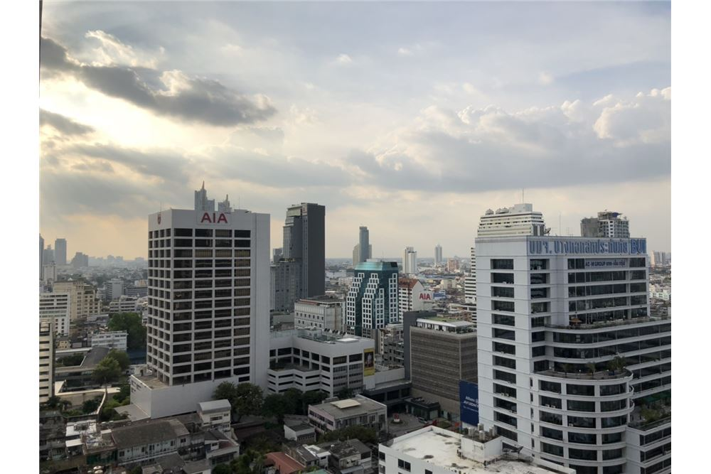 RE/MAX Executive Homes Agency's Brand New 1 Bedroom for Sale Ashton Silom 11