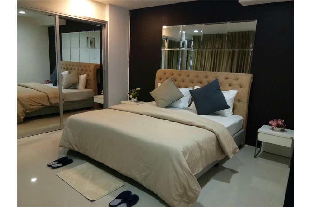 RE/MAX Executive Homes Agency's Spacious 1 Bedroom for Rent Waterford Thonglor 5 3