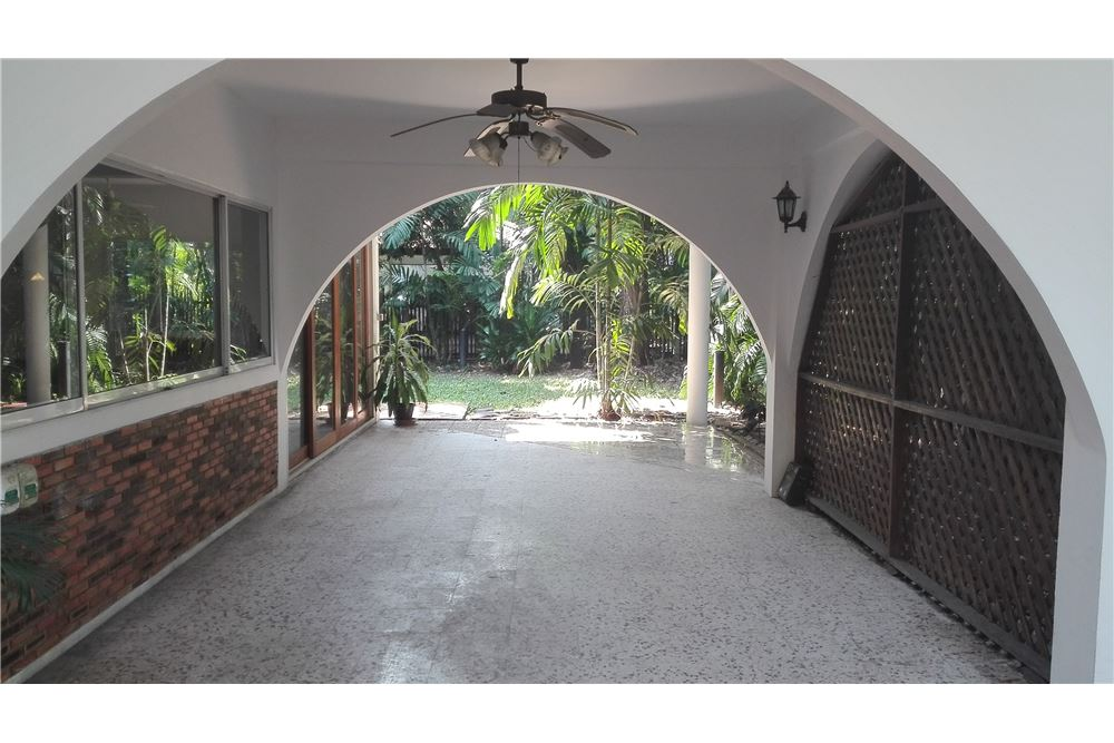 RE/MAX Executive Homes Agency's House For Rent in Compound Soi Soonvijai 6
