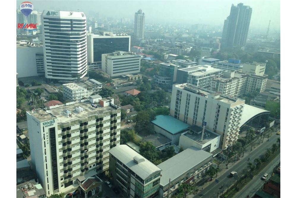 RE/MAX Properties Agency's Condo for  Rent The Aspire Rama 4 13