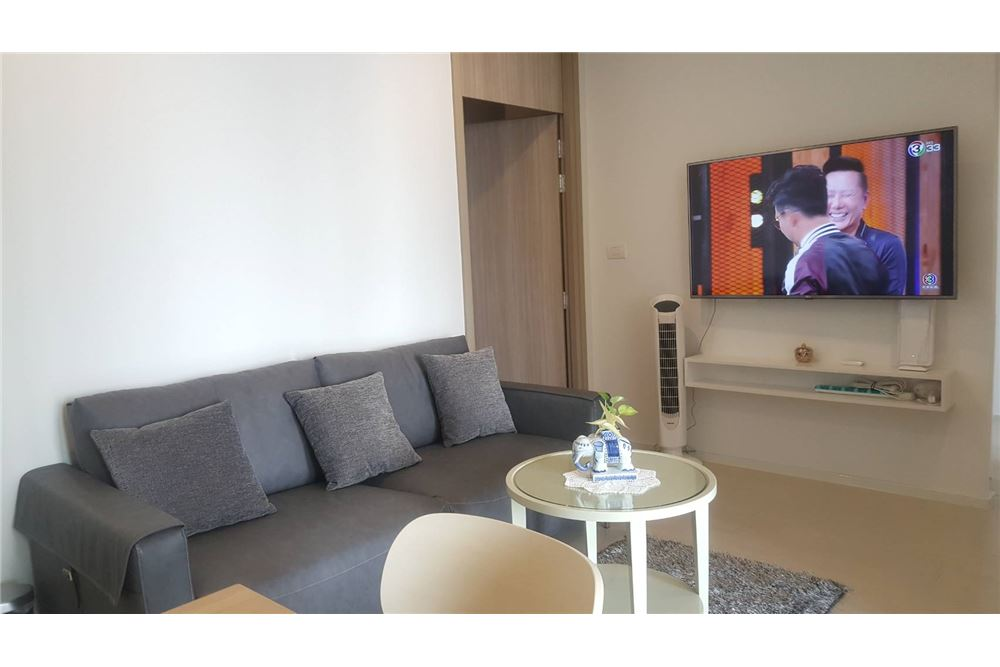 RE/MAX Properties Agency's RENT Noble Ploenchit 2BED 65SQM. 2