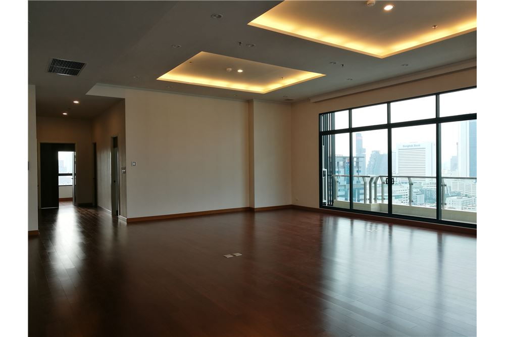RE/MAX Executive Homes Agency's 4 Bedroom for Rent Supalai Elite Sathorn 1