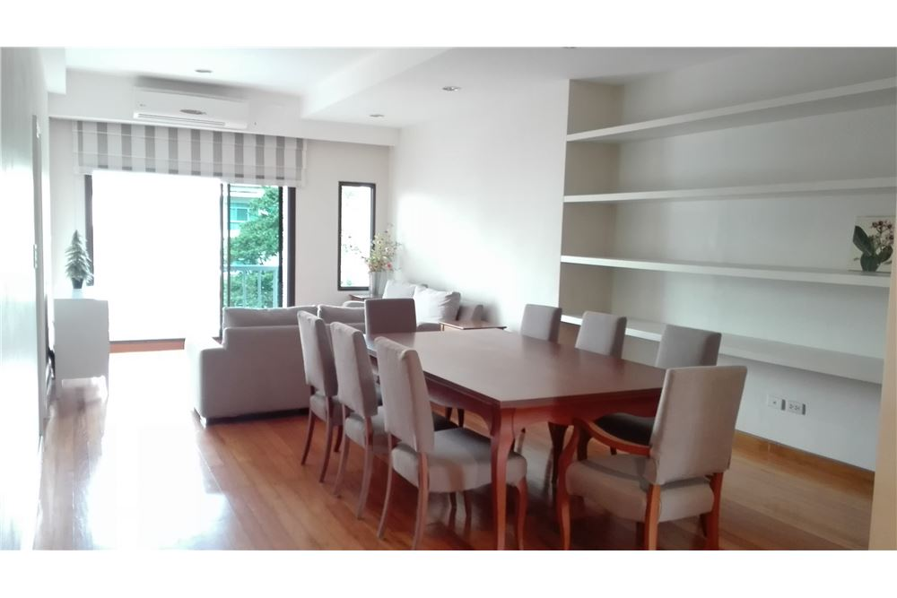 RE/MAX Executive Homes Agency's Lowrise Apartment 3+1 Bed For Rent in Thonglor 3