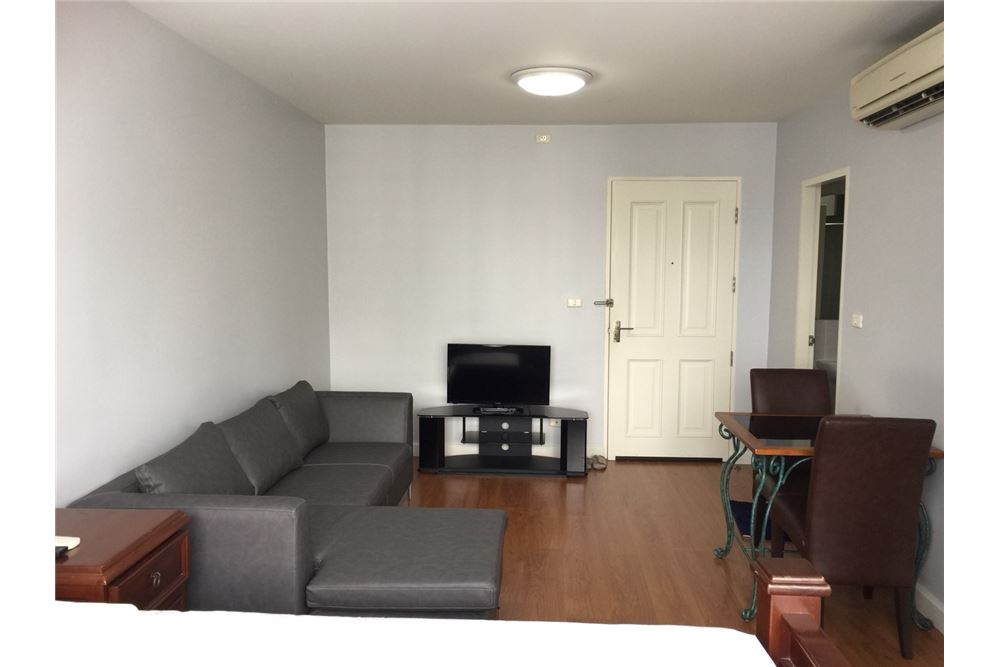 RE/MAX Executive Homes Agency's Nice Studio type Bedroom for Rent Condo One X 1