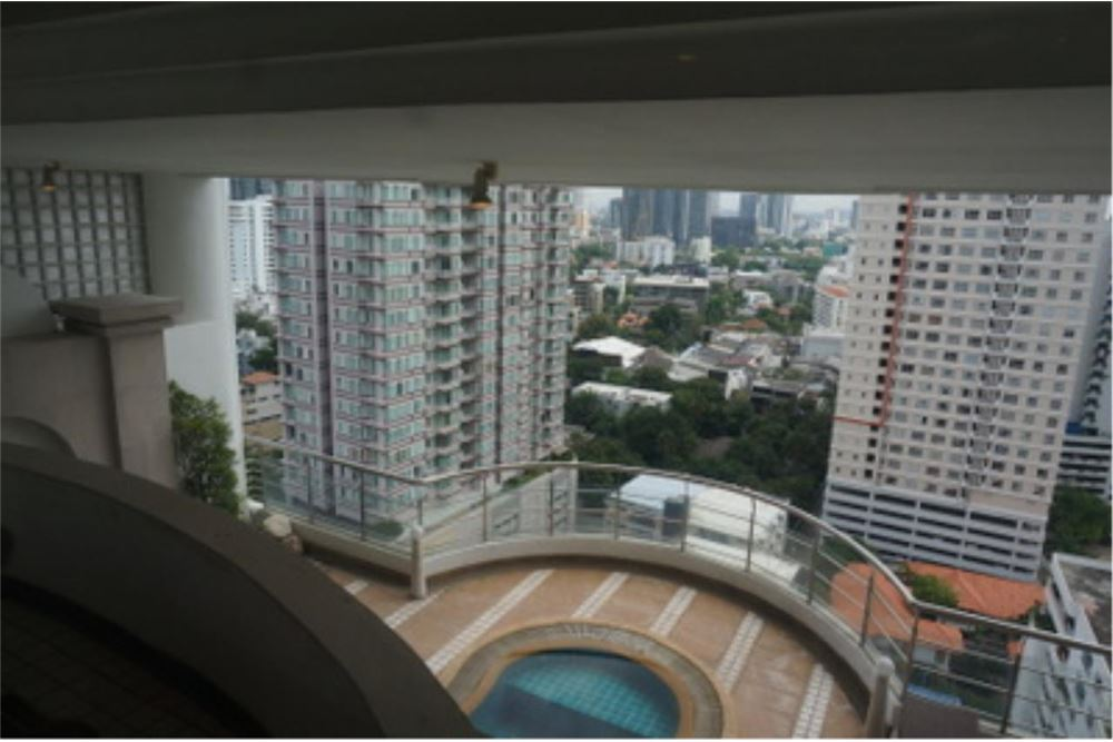 RE/MAX Properties Agency's FOR RENT  LE  RAFFINE SUKHUMVIT 24   2BED 370SQM 23