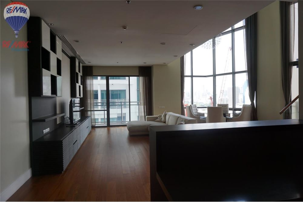RE/MAX Properties Agency's FOR RENT  Bright Sukhumvit 24  3BED 189SQM 1