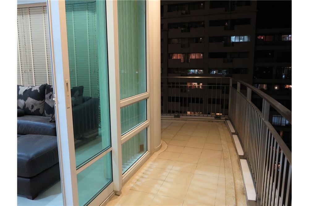 RE/MAX Executive Homes Agency's Nice 2 Bedroom for Sale Baan Rajprasong 9