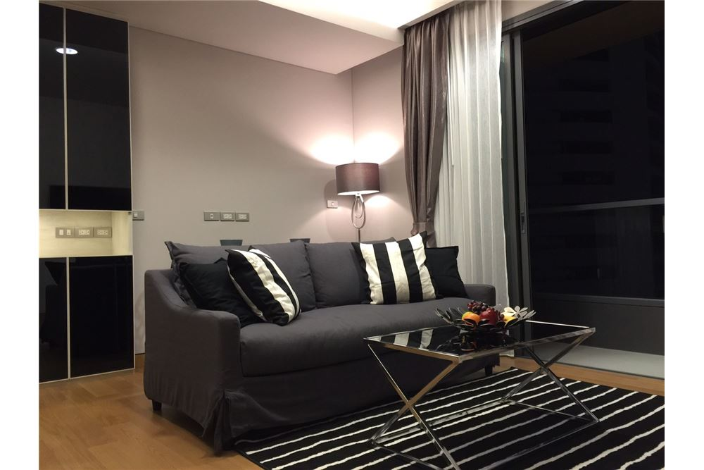 RE/MAX Properties Agency's FOR RENT The Lumpini 24 2 BEDs 55 SQM. 1