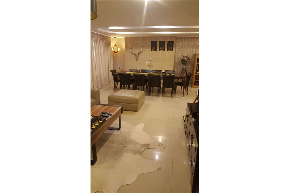 RE/MAX Executive Homes Agency's Spacious 2 Bedroom for Rent Baan Prompong 15