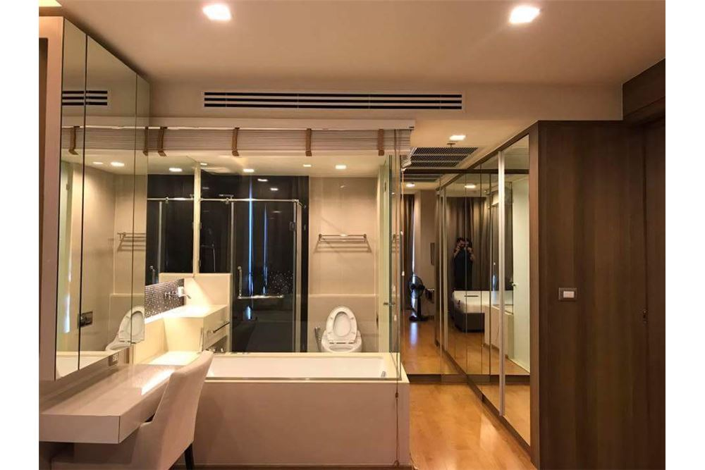 RE/MAX Executive Homes Agency's Nice 1 Bedroom for Sale with Tenant Address Sathon 6