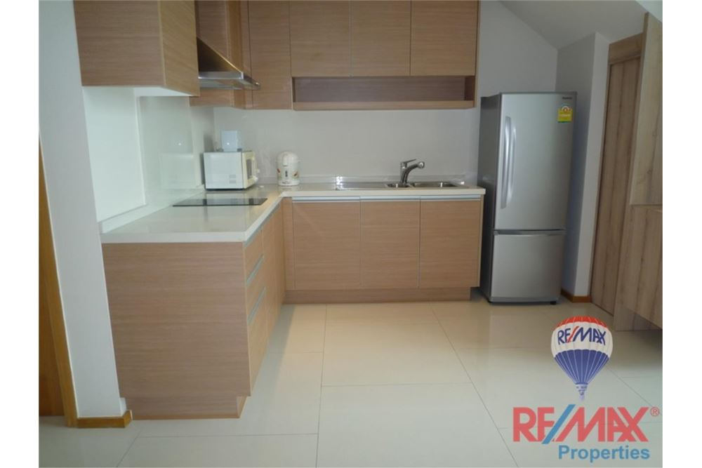 RE/MAX Properties Agency's FOR RENT The Emporio Place 1BED 83SQM 13