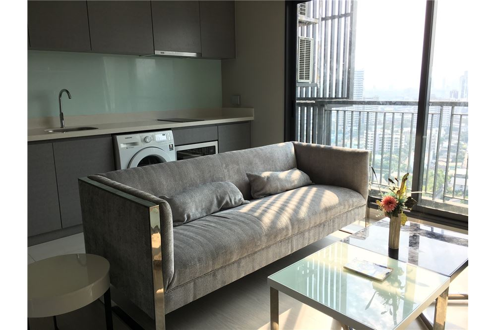 RE/MAX Properties Agency's RENT Rhythm Sukhumvit 36-38 1BED 41SQM. 1
