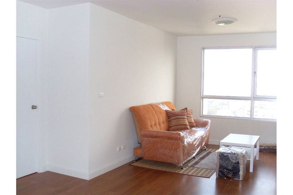 RE/MAX Executive Homes Agency's Spacious 1 Bedroom for Sale Condo One x 26 1