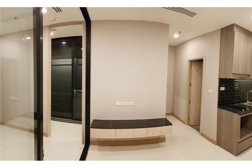RE/MAX Properties Agency's 1 Bed for rent 55,000 THB 10