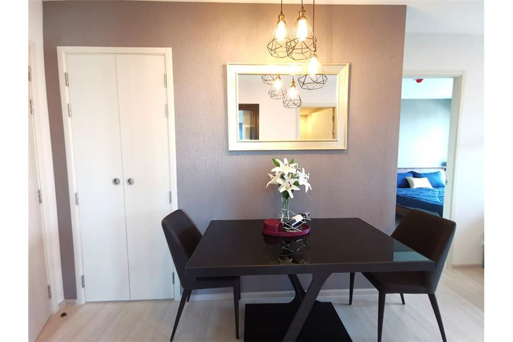 RE/MAX Executive Homes Agency's 2 Bed / 2 Bath Fully furnished / Corner room 4