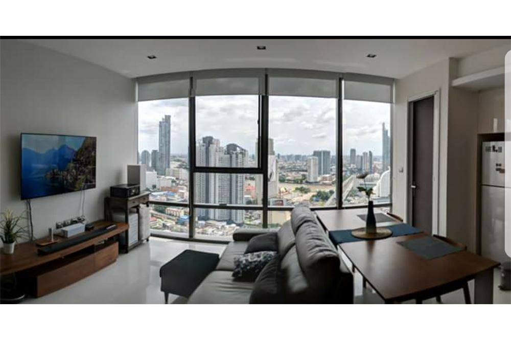 RE/MAX Executive Homes Agency's Spacious 1 Bedroom for Sale Bangkok Sathorn 1