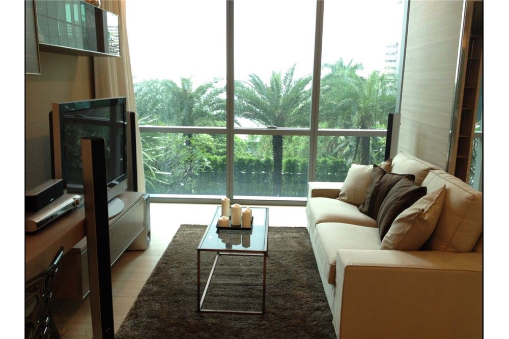 RE/MAX Properties Agency's RENT The room sukhumvit 21 1BED 50SQM. 1