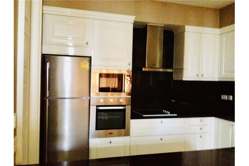 RE/MAX Executive Homes Agency's Royce Residence / 3 Bedrooms / For Rent / 100K 2