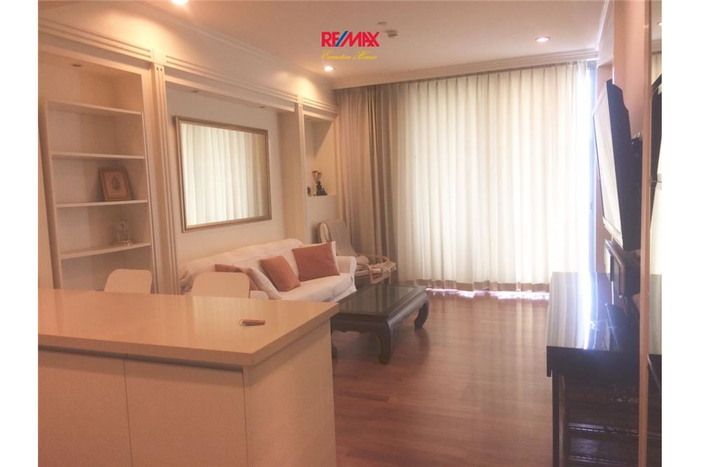 RE/MAX Executive Homes Agency's 1 Bedroom / for Sale / Aguston Sukhumvit 22 4