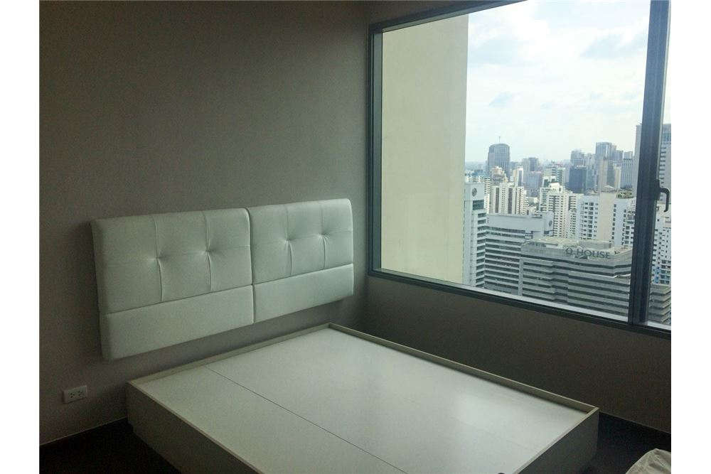 RE/MAX Properties Agency's FOR RENT & SALE : BRAND NEW UNIT @Q ASOKE 3 BED 7
