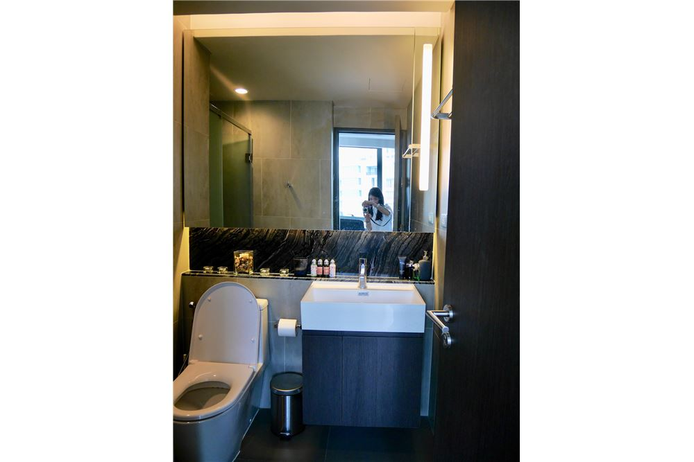 RE/MAX Executive Homes Agency's Lovely 1 Bedroom for Rent Lumpini 24 8
