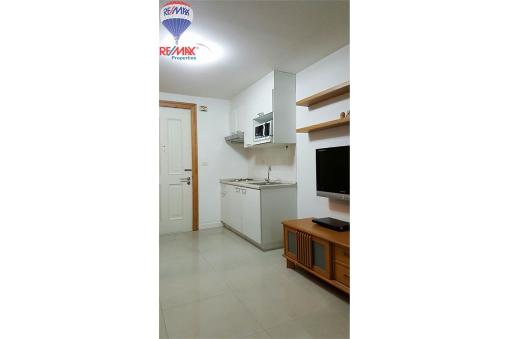 RE/MAX Properties Agency's FOT SALE The Clover Thonglor 1BED 37SQM. 7