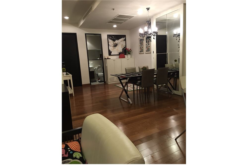 RE/MAX Executive Homes Agency's Nice 2 Bedroom for Rent Address Chidlom 5