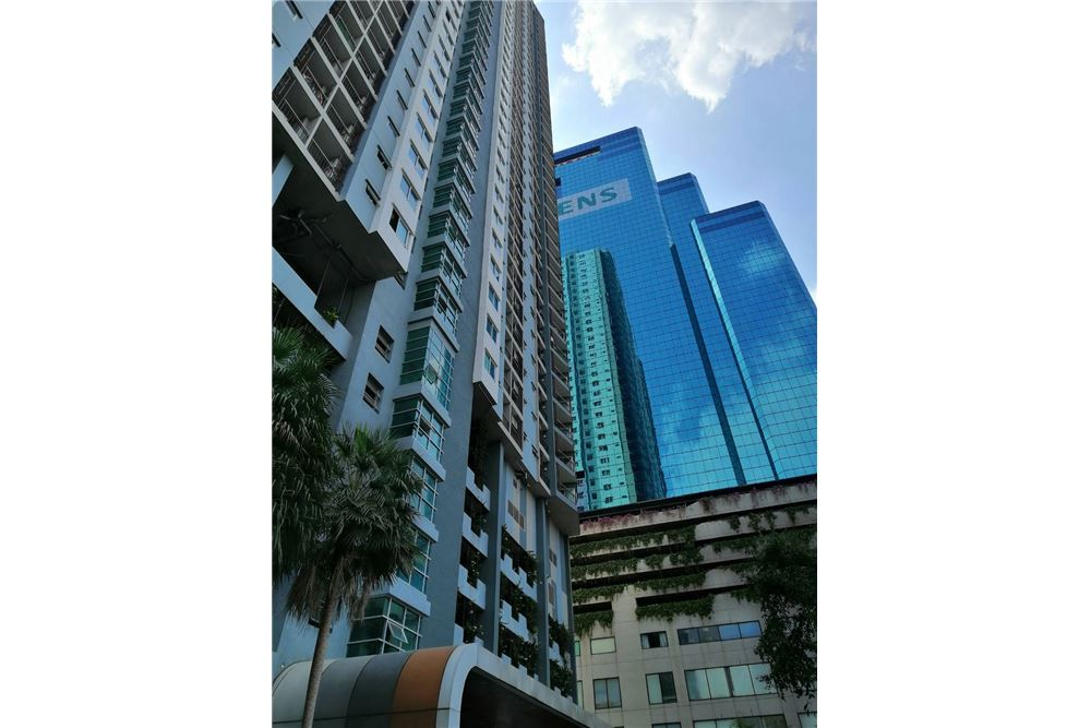 RE/MAX Executive Homes Agency's Supalai Park Ekkamai-Thonglor 6