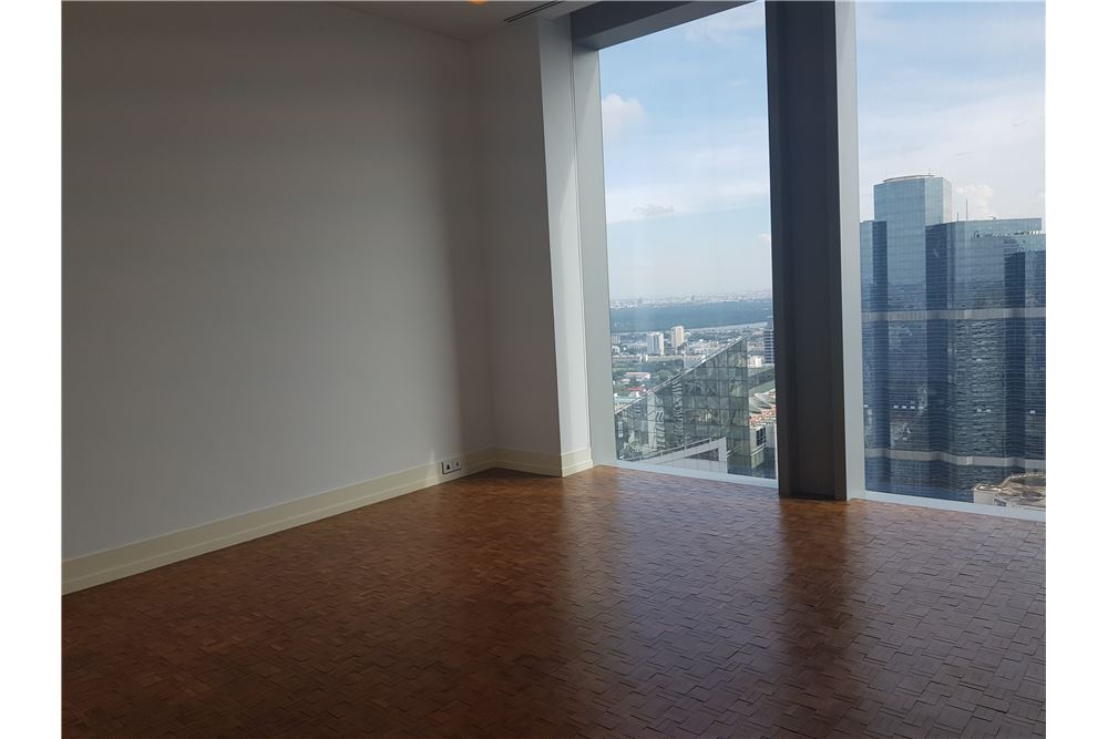 RE/MAX Properties Agency's RENT The Ritz-Carlton Residences at MahaNakhon 3