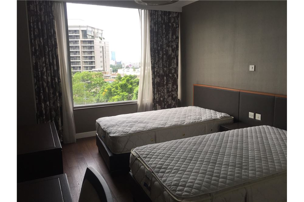 RE/MAX Executive Homes Agency's 2Bedroom For Rent, Ploenchit, Ruamrudee, BTS 5