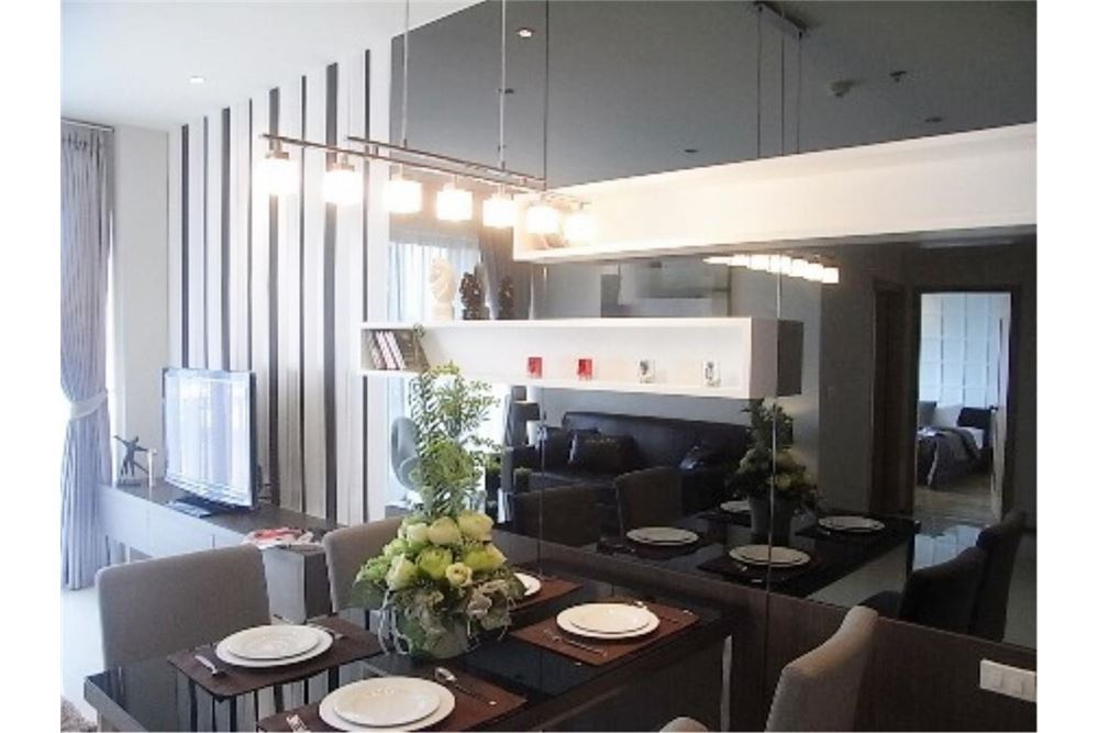 RE/MAX Properties Agency's FOR RENT The Emporio Place 1BED 65.35SQM 8