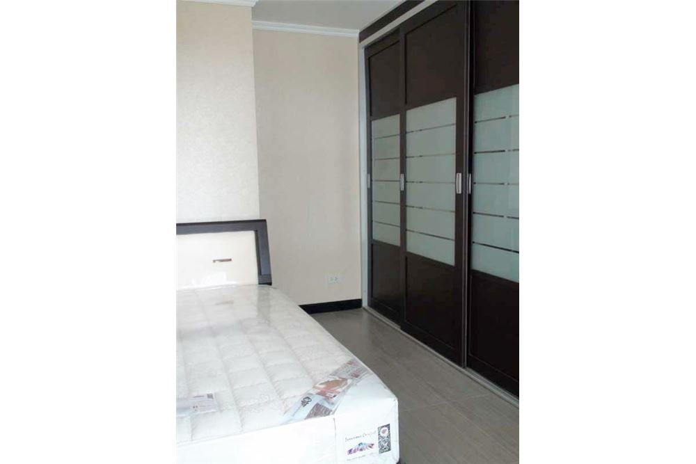 RE/MAX Properties Agency's Floraville Condominium Suite 303 sq.m., 9.5 MB 15