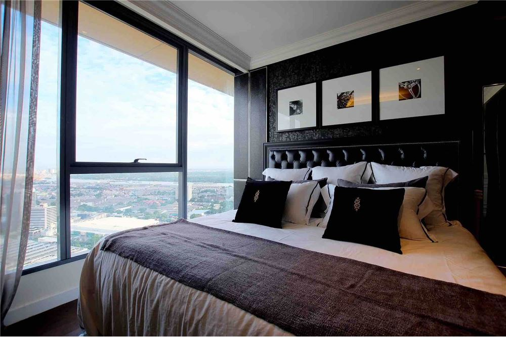 RE/MAX Properties Agency's The Lumpini 24 Penthouse@ Sukhumvit 24 1