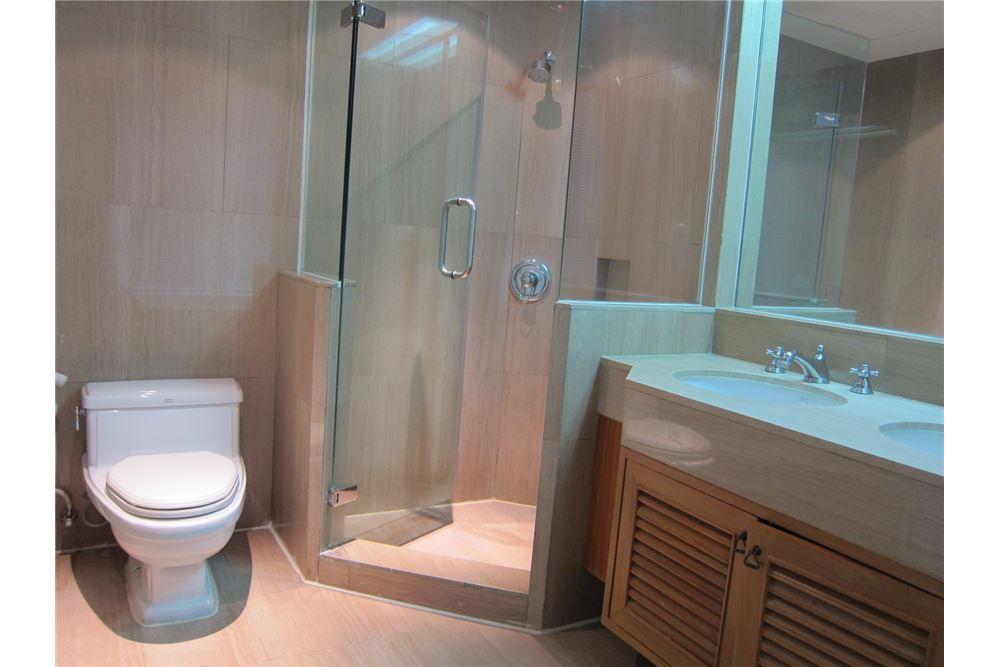 RE/MAX Properties Agency's RENT Langsuan Ville 2BED 160SQM. 13