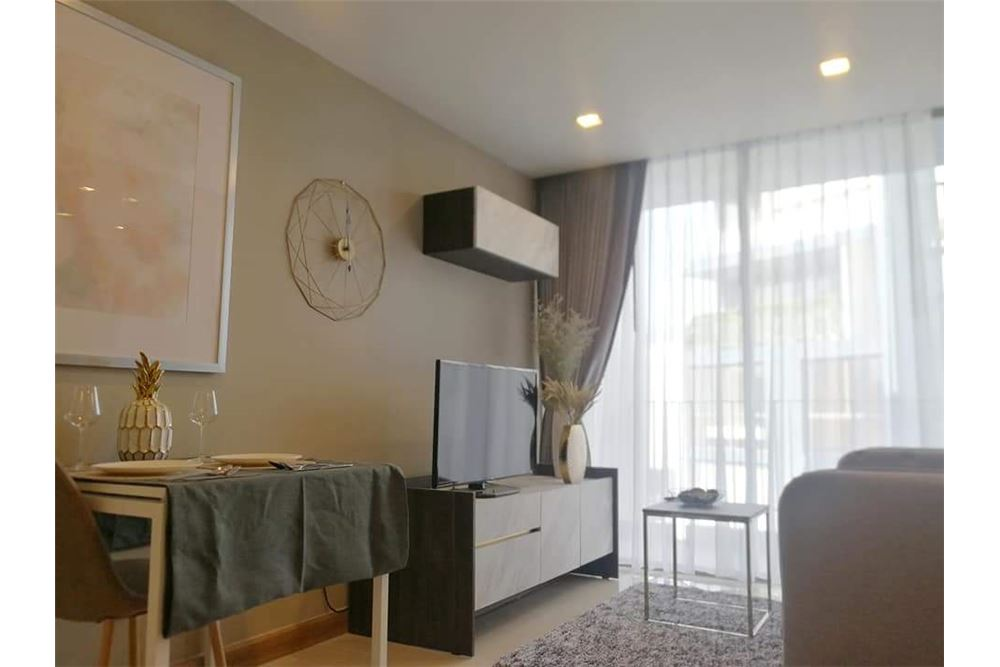 RE/MAX Executive Homes Agency's Spacious 1 Bedroom for Rent Lumpini 24 1