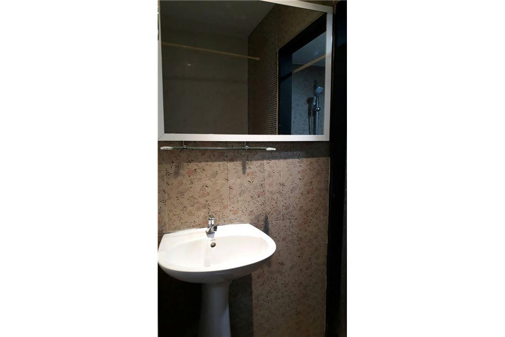 RE/MAX Properties Agency's Rent 2bedroom @Navin Court 7