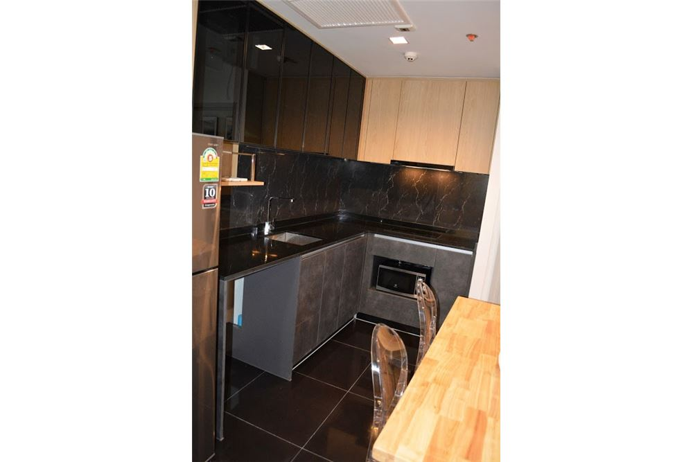 RE/MAX Executive Homes Agency's 2 Bedrooms For Rent at The LINE  JATUJAK 5