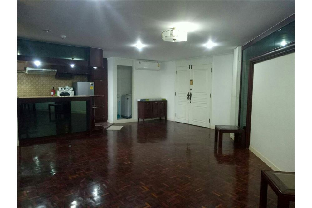 RE/MAX Executive Homes Agency's Spacious 2 Bedroom for Rent  Tai Ping Towers 6