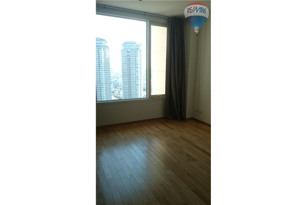 RE/MAX Properties Agency's For Rent The Empire Place Sathorn - Bangkok 5