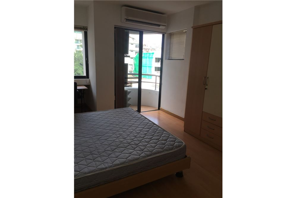 RE/MAX Executive Homes Agency's 2 Bedrooms / For Rent / at Sukhumvit 33 5