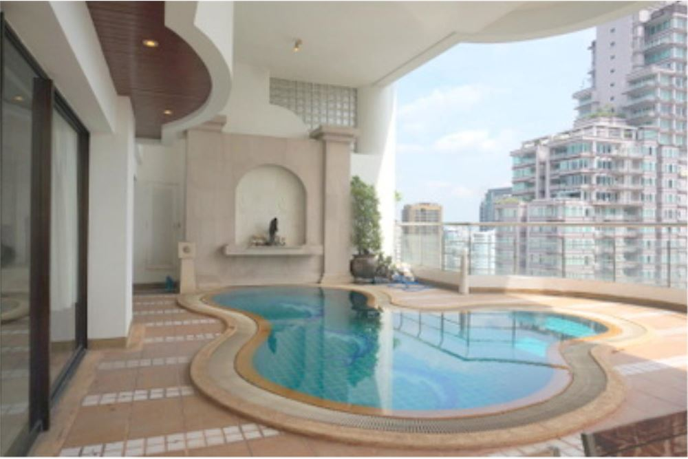 RE/MAX Properties Agency's FOR RENT  LE  RAFFINE SUKHUMVIT 24   2BED 370SQM 10