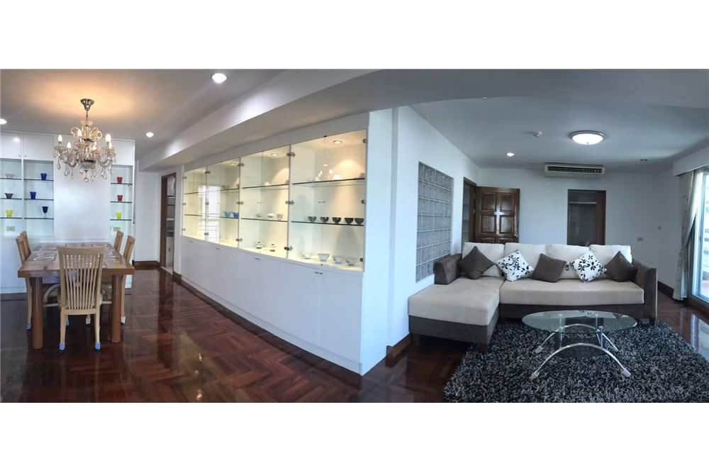 RE/MAX Properties Agency's SALE Royal castle sukhumvit 39 3BED 140SQM. 1